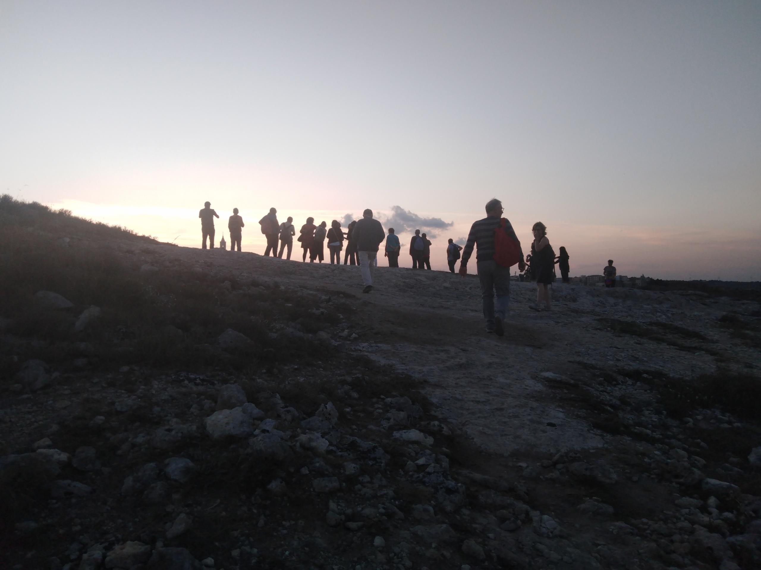 24-Dal-parco-della-Murgia-Materana-verso-il-tramonto-su-Matera